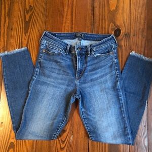Abercrombie & Fitch Harper Low Rise Ankle Jeans 👖